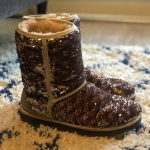 Women Champagne sequins uggs